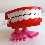 マヌカハニー歯磨きは虫歯予防のスーパー特効薬だ!